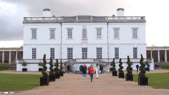クイーンズ・ハウス(Queen's House)ー幽霊が出る螺旋階段で写真を撮ってみましょう!