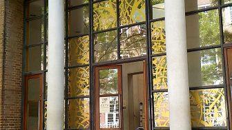 ブルネイ・ギャラリー(Brunei Gallery)ーSOAS の中にある静かな空間。屋上には日本庭園も!