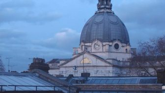 金曜日にヴィクトリア&アルバート博物館(V&A)での鑑賞をお勧めする3つの理由