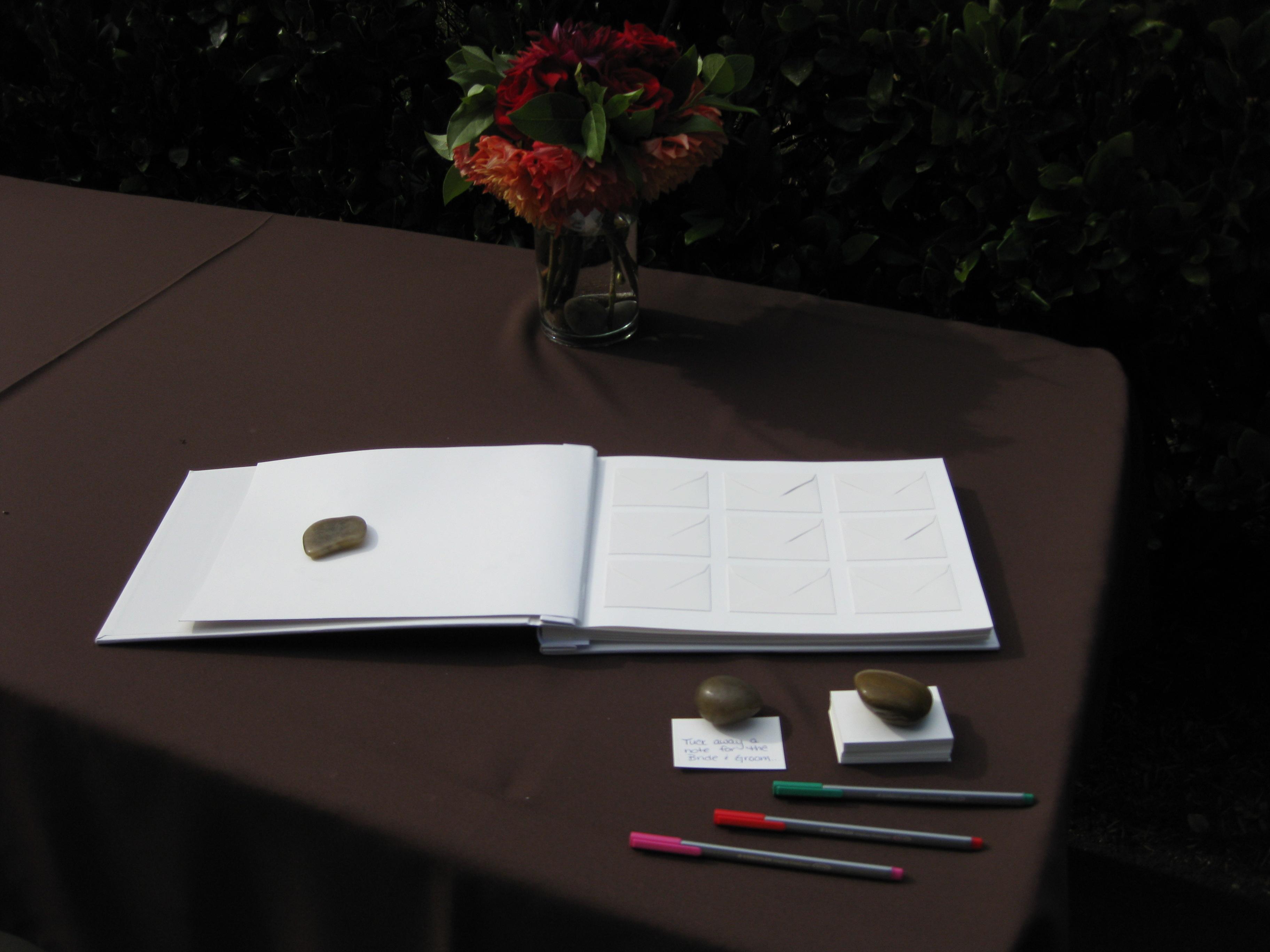 内向型人間は、自分の考えや感情を「書く」という行為で表現すると、新しい発見があるかも!