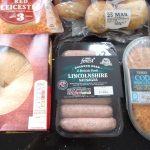 一般的なイギリスのスーパーで買える食材の値段。意外なことに、お手頃価格のものが多い?