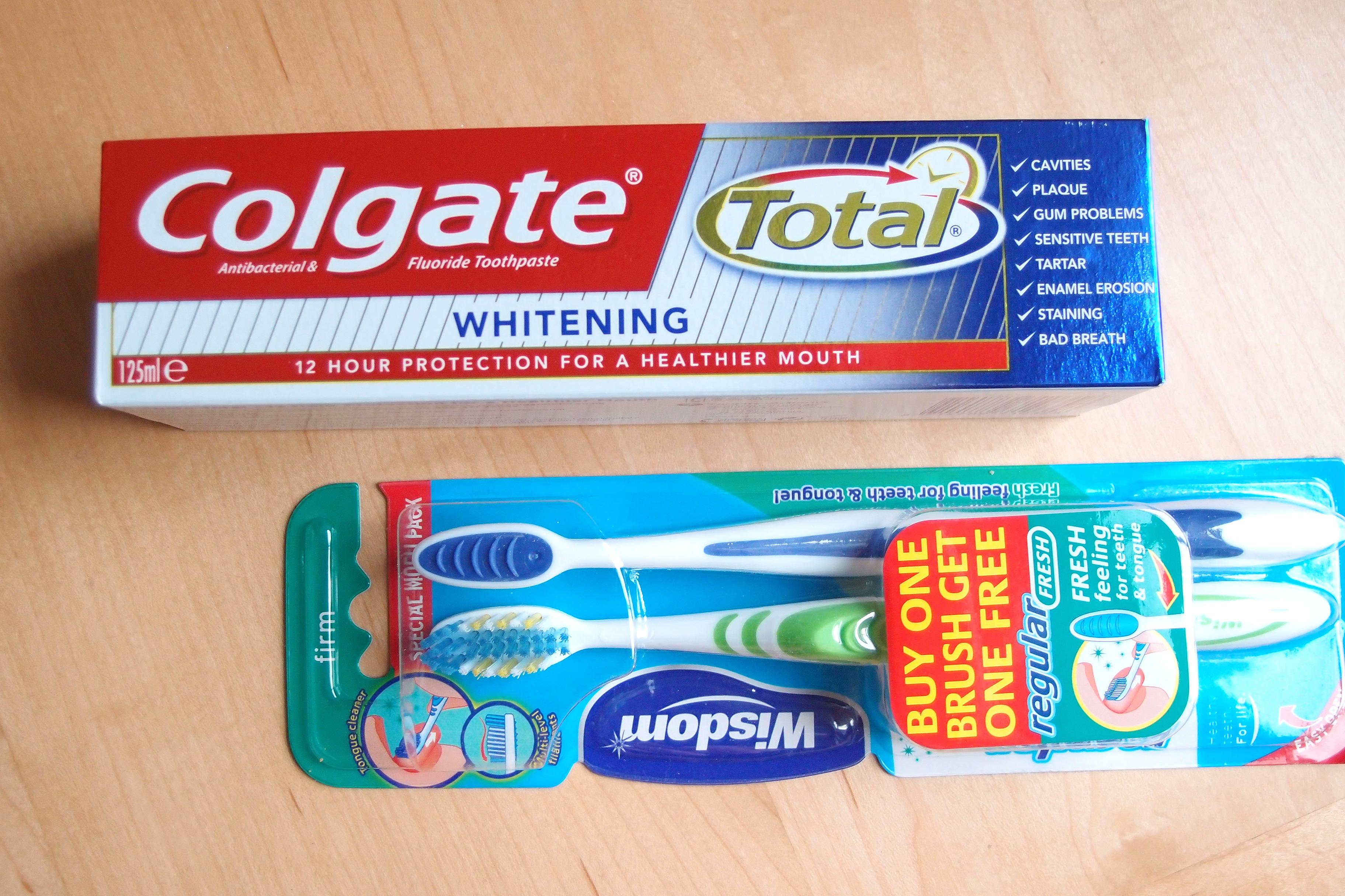 ついにイギリスで歯ブラシと歯磨き粉を購入しました。使い心地は果たして・・・